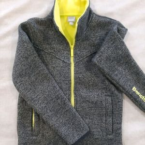 Boys Bench Thick Woven Sweater/Jacket Like New